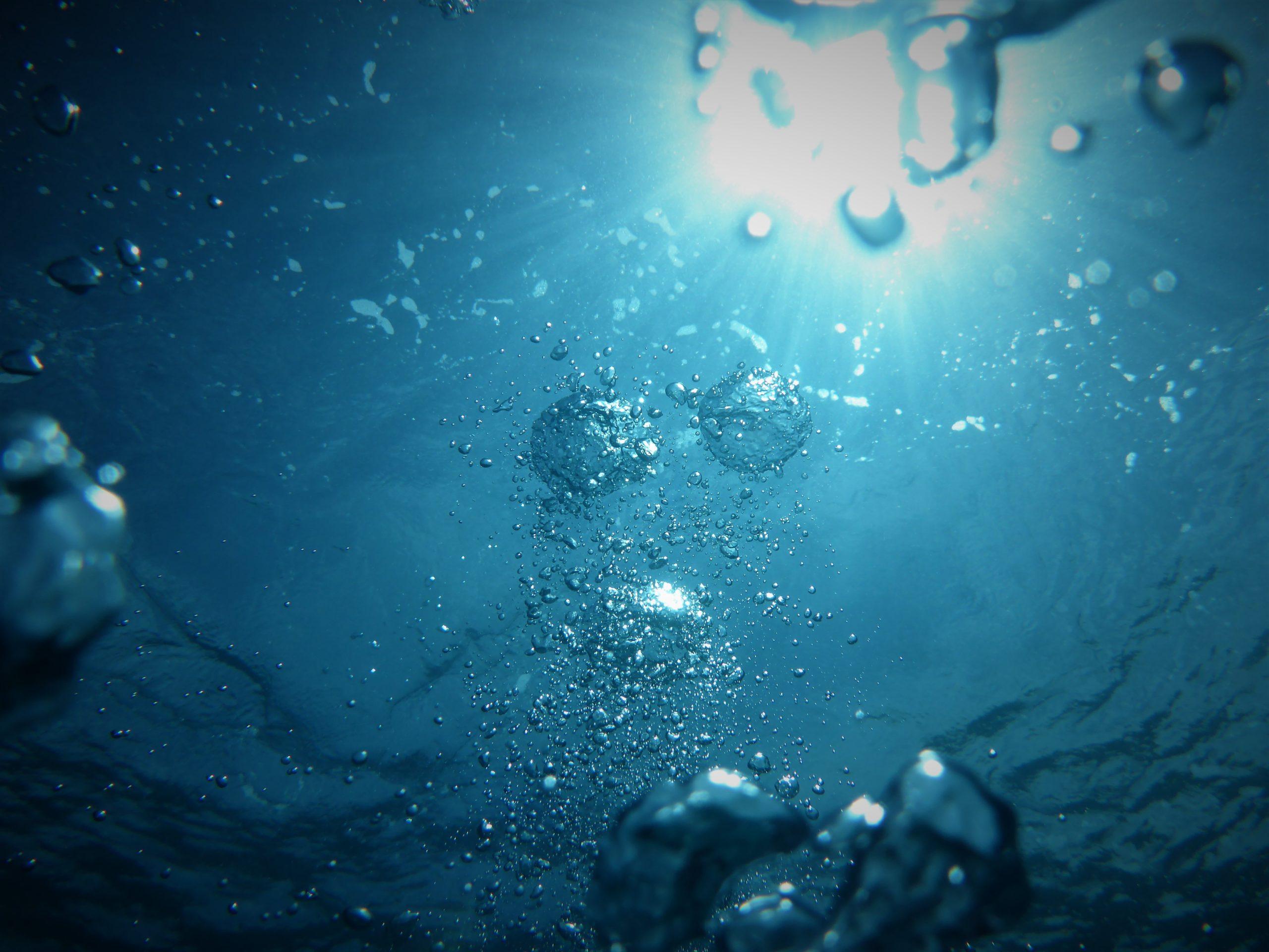 Siivous pelkällä vedellä sopii kaikille pinnoille