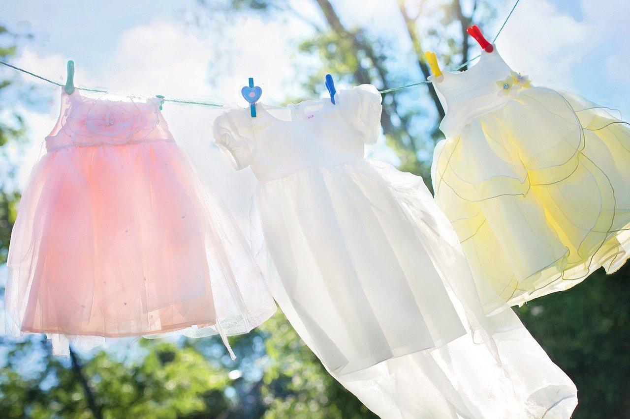 """Jos pyykki haisee tunkkaiselta, kellarilta tai """"vanhalta"""", haju voi johtua myös tetrakloorianisoli-yhdisteestä."""